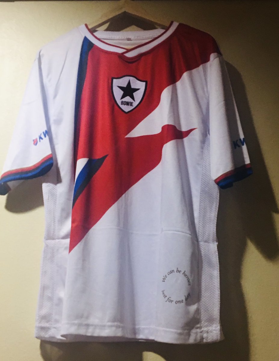 Retweet for a chance to win.  One of only two David Bowie @_Bands_FC shirts in the whole world.  Winner picked at random 10pm Saturday September 5th