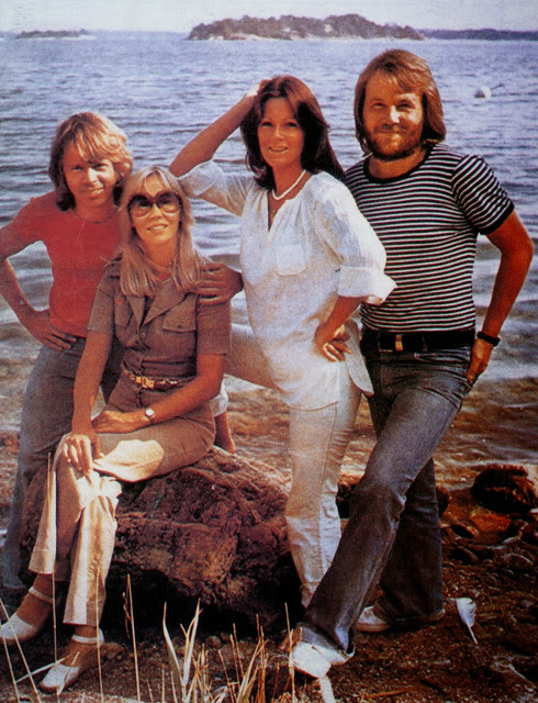 Today in 1976 ABBA are at their beloved Viggsö island in the Stockholm archipelago, filming scenes for their television special ABBA-dabba-dooo!!🌊 #ABBA https://t.co/l0w5bue3gg