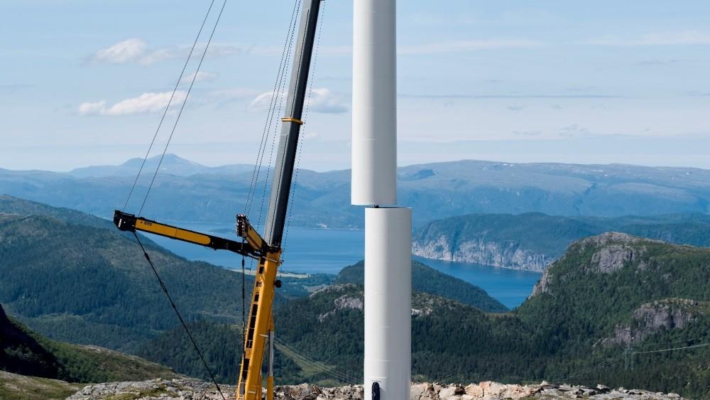 Siste av 277 turbiner ferdig montert https://t.co/ZYAkUcrTsa https://t.co/Ze516XqWfD