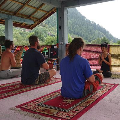 Mezi nejoblíbenější destinace českých turistů v #Himálaji patří například Nepál nebo indická provincie Ladak...🇳🇵 🌏Zase bude čas vyrazit na cestu! https://t.co/cWAVxhJrEE #travel #holiday #cestovani #cestujemespolu #lonelyplanetcz #lpcz #trip #indie #asie #meditace #tradice https://t.co/Obuk8VwsFp