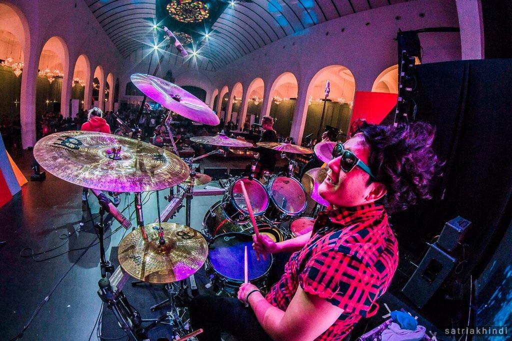 Happy Birthday Drummer kebanggaan @Anton_kelces ... all the best... Apa nih doa terbaik kalian buat Anton guys??. . #antonjrocksbirthday https://t.co/PHOTQcCanf