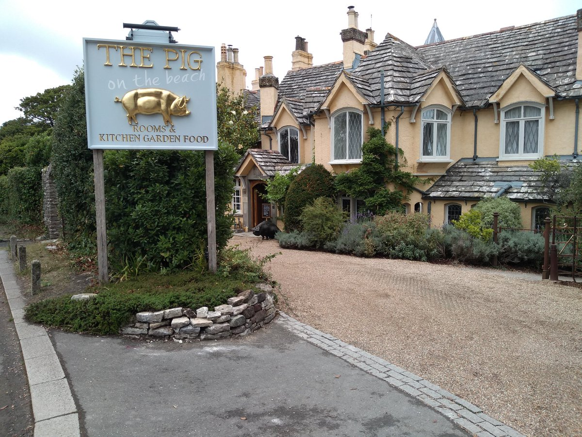 Wonderful times + outstanding food  & drink @ the @The_Pig_Hotel = a very happy & incredible experience! 🏨🌊🍽️🍛🍻 #PigHotel #ThePigOnTheBeach #PigOnTheBeach #ManorHouse #CountryHouse #AwardWinning #Hotel #Food #Drink #Stunning #Restaurant #Seaview #Swanage #Studland #Dorset #UK