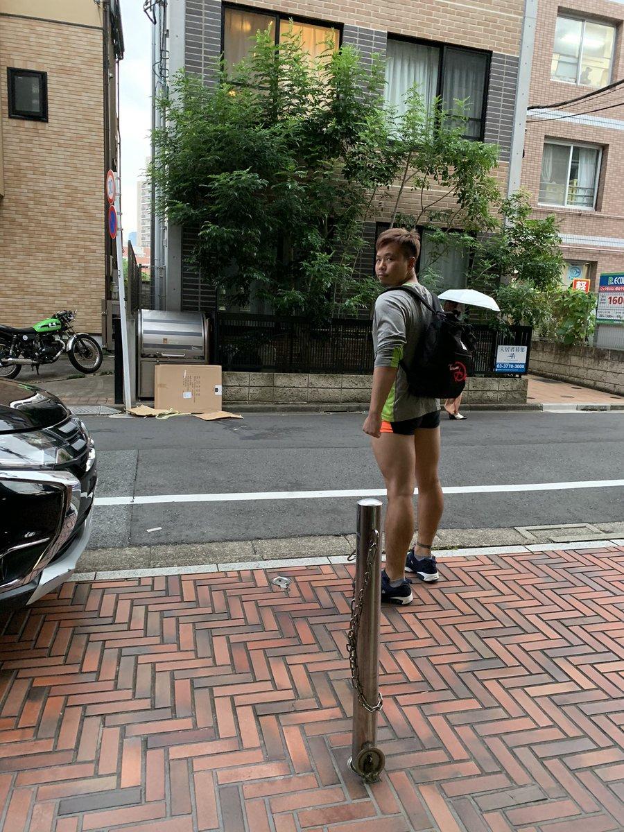 今日のジム行く前のかずしの格好がトリッキーすぎて、自転車の信号待ちふと横見たんですよ。  そしたらおちんちん出てるようにしか見えなくて、注意したらサドルだった🙃wwww https://t.co/dYquSHklNA