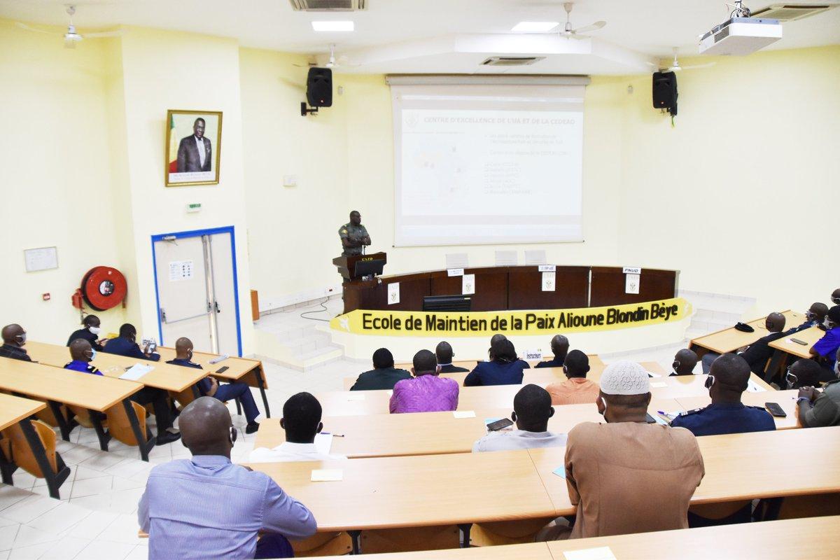 Ouverture stages @EMP_Bamako : « GRC » financé par les Pays-Bas & « UNPOL » par la République Fédérale d'Allemagne  @berethem @AllemagneDiplo @NLauMali @GouvMali @GouvMali @SecuriteML @MaliMaeci @ecowas_cedeao @_AfricanUnion @FAMa_DIRPA #empabb #emp #UNPOL #GRC https://t.co/M61XItsM9v https://t.co/FCsaHdeTDd