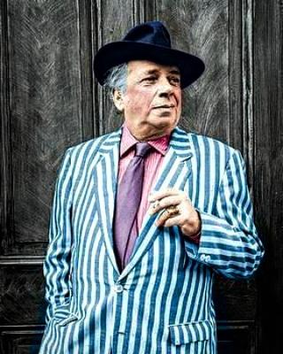 Remembering the marvellous #GeorgeMelly on his birthday #Liverpudlian #jazzsinger #artcritic #writer #rumbumandconcertina https://t.co/hTBJ79vmoM