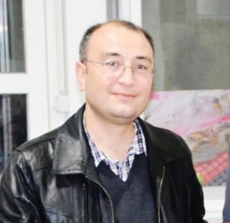 🔵  ANKARA'DAKİ İŞKENCE ODALARININ SAVCISI DEŞİFRE OLDU  Nordic Monitor, 15 Temmuz sonrası Ankara'da kurulan gözaltı işkencehanelerinde şüphelilere bizzat işkence yapılması talimatını veren savcının bilgilerine ulaştı: Cumhuriyet Savcısı Mustafa Manga-92537 https://t.co/a8GZk9rQN7