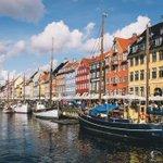 Image for the Tweet beginning: Dinamarca consiguió reabrir las escuelas