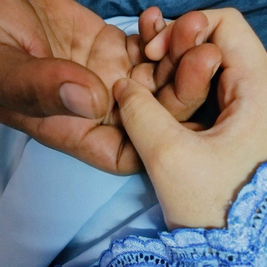 Tangan yang kotor tetapi rezeki yang halal. #FiiAmanillah #Tabarakallah 🤲🏽  Semoga dipermudahkan urusan ayah, diperluaskan lagi rezeki & sabar untuk kita berdua terus lalui kehidupan ini. 🤍  #Pencurihati #MyHusband #MatPomen #Myboy https://t.co/gTmFRkLOGW