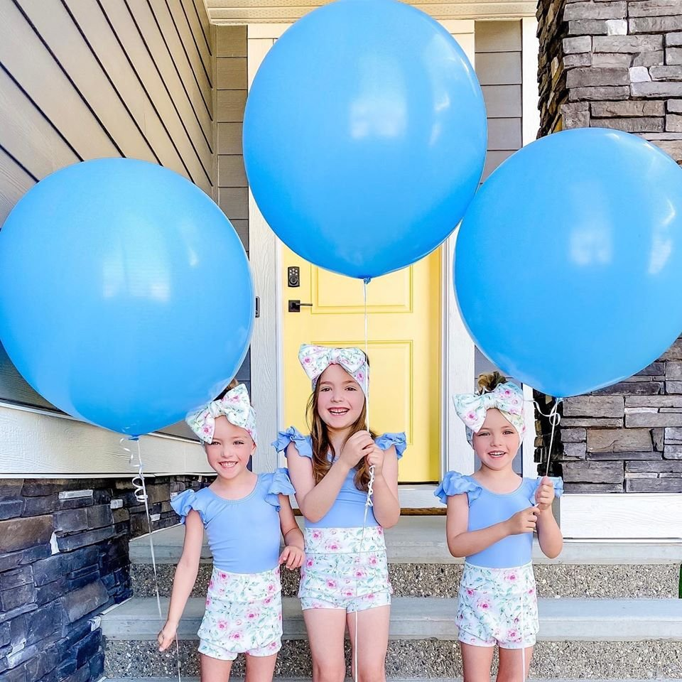 It seems that the new brother of the Spencer twins is a boy 👶🍼... !!! #BabyBrother #GenderReveal #VeryExcited #ExcitingNews #HappyNews #BabyNews #BigNews #Baby #CompletingOurFamily #NewAddition #BigSisters #NameSuggestions #WhatsInAName #BabyNames #RaisingTinyHumans https://t.co/2A689vmuqT