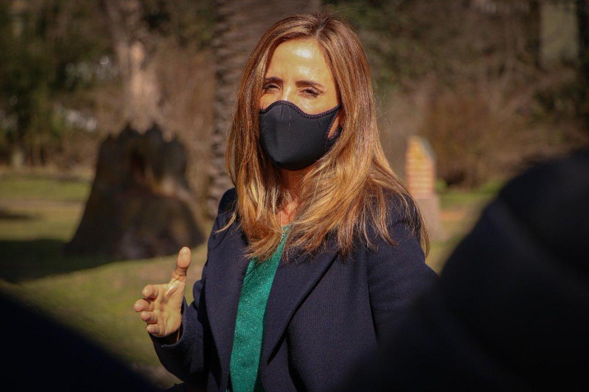 """Agencia Télam على تويتر: """"La presidenta del Consejo Nacional de Políticas  Sociales, Victoria Tolosa Paz (@vtolosapaz), destacó el trabajo del  Gobierno para """"acercar la canasta básica a quienes más lo necesitan"""", a"""