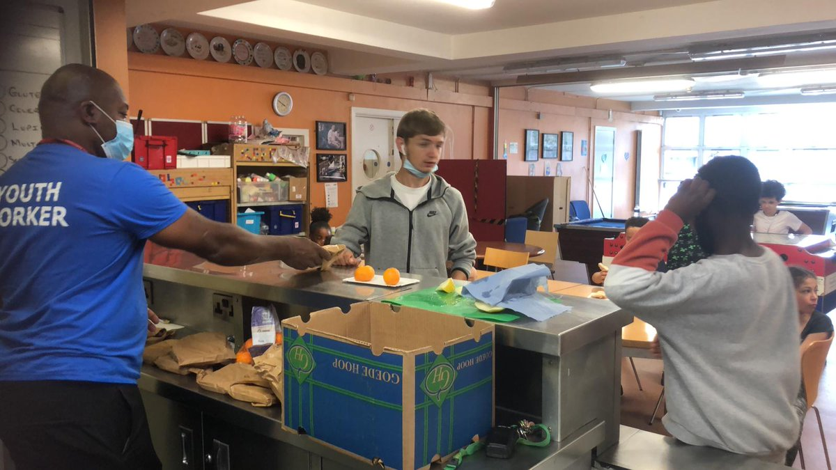 A very big thank you to our friends at @WestminsterFdn for supporting five of our #KitchenSocial community hubs in #Westminster this summer! ☀️ Here's a little look at what they've been up to... 📸: @FourthYcc https://t.co/jcfFSEAvn3