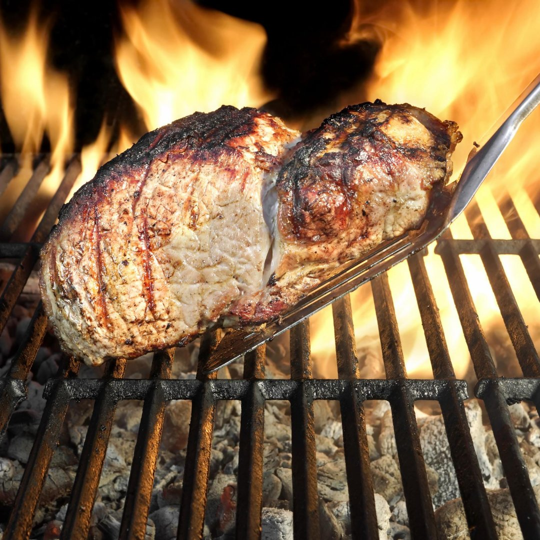 Grilling Advice Straight from the Farmer. Check out these tips for the most moist and flavorful grilled pork chops. https://t.co/bU35uWw4c7 #MyMdFarmers #Recipes #PorkChops https://t.co/8WqgN1iBt2
