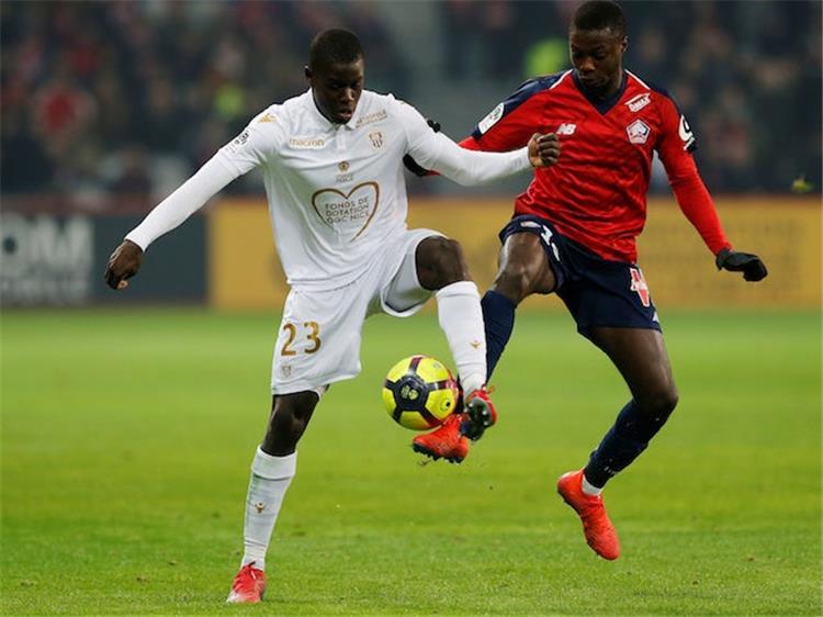 موقع بطولات | برشلونة يتجه لحسم صفقة دفاعية من الدوري الفرنسي