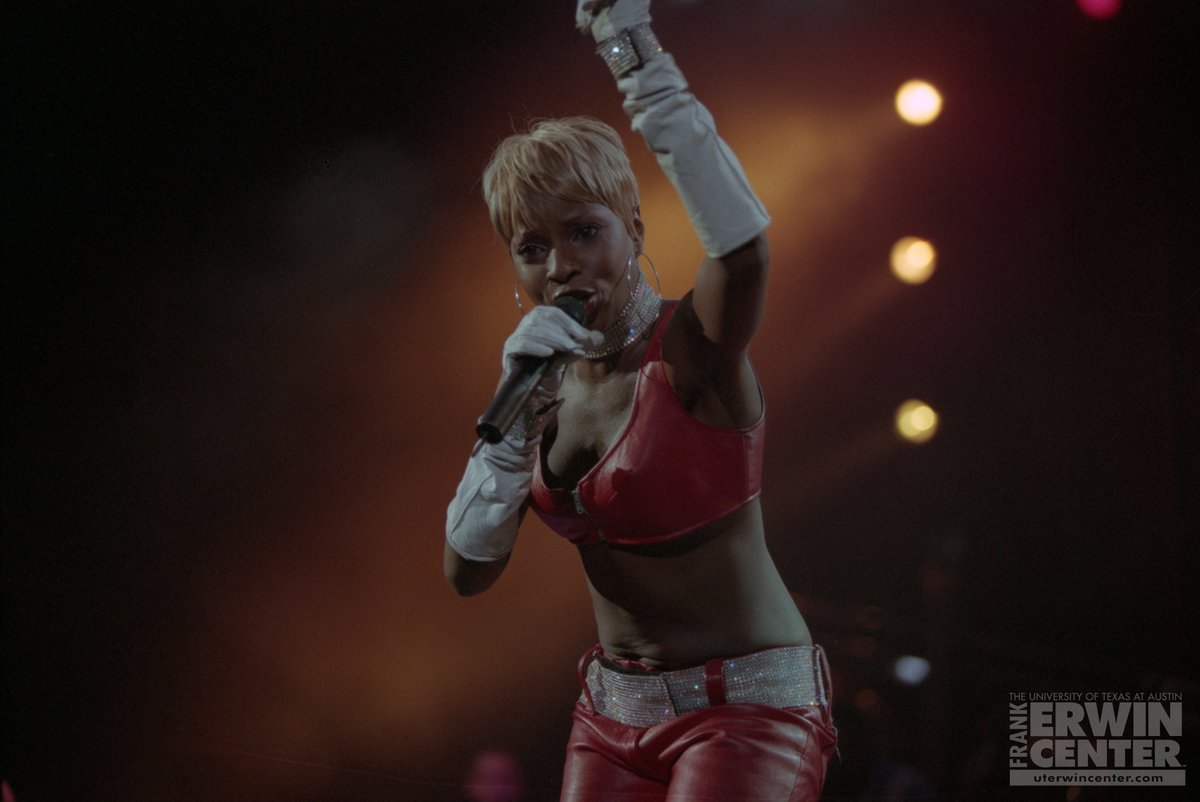 ON THIS DAY: @maryjblige performed live at the @ErwinCenter exactly 20 years ago today! 🙌👑