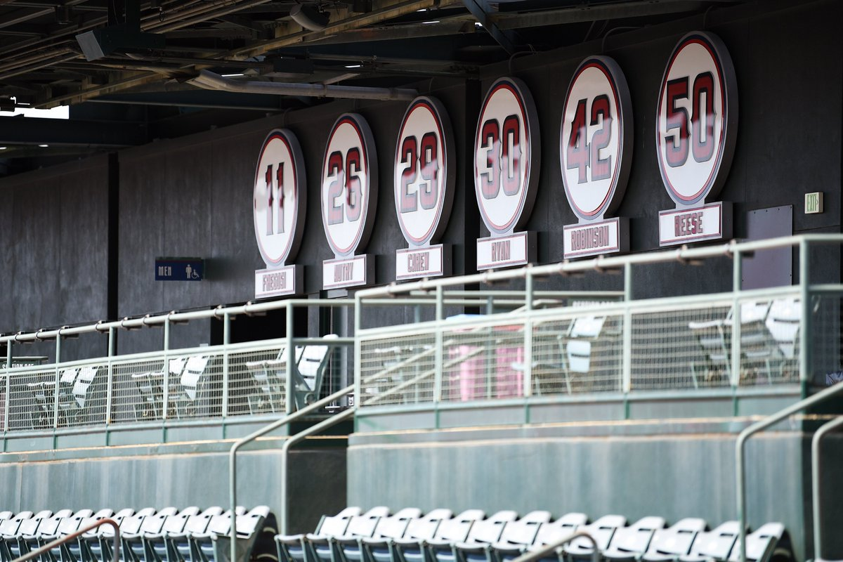 Our final question for #AngelsRadioSocial Media Day!  Who is the one person, past or present, in the @Angels organization you would most like to meet? https://t.co/nbfCqcOaQW