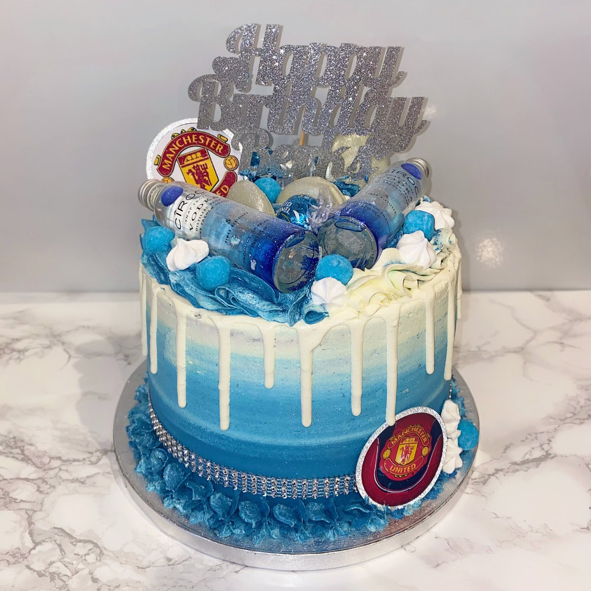 Abbie S Angelcakes On Twitter Ciroc X Jelly Shot Drip Cake Money Pull Out Effect Worked Wonderfully Once Again