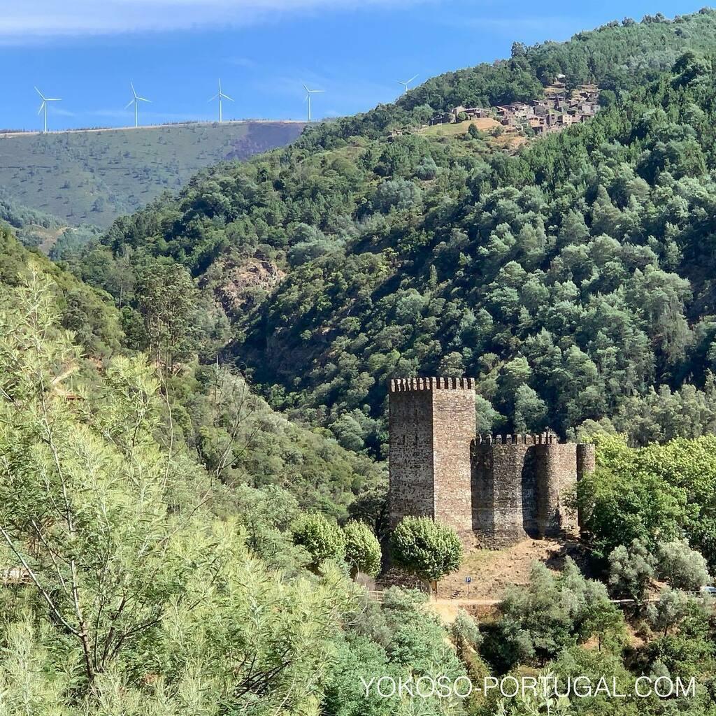 test ツイッターメディア - 11世紀に建てられたロウザン城。山の中にそびえ立つ城は、中世の面影を今に残しています。 #ポルトガル #城 https://t.co/PVExn8wBBV