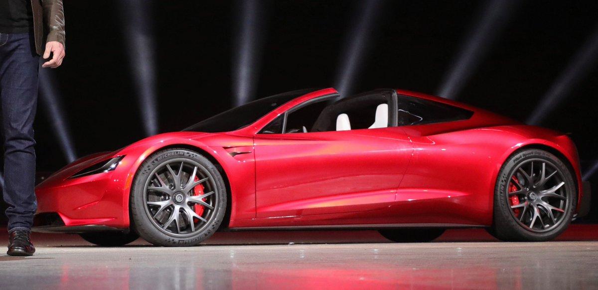 Tesla Roadster Elon Musk confirms racecar-like center-lock wheels https://t.co/O8wbGpqODq #ElonMusk #Tesla #confirmed #racecar #centerlock #wheels #car #halocar #electriccar #Supercar #roadster #transportation #tripontech #TOT @TriponTech https://t.co/H7PcVDuZCK