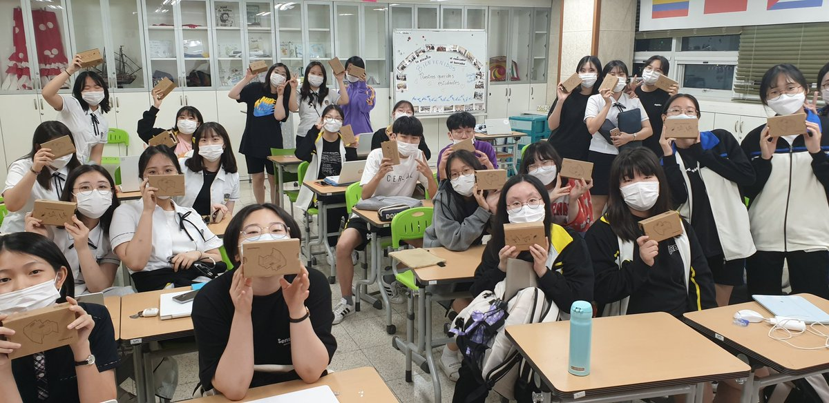 These are Future Innovators. Nothing even COVID19 can stop them from learning & utilizing digital tools to build #empathy #mindset & #skillset They want to share their VR stories they created with the world. #GoogleforEDU #GoogleEarth #Tourcreator #GoogleExpeditions #GSuiteforEDU https://t.co/zavvccVSO5
