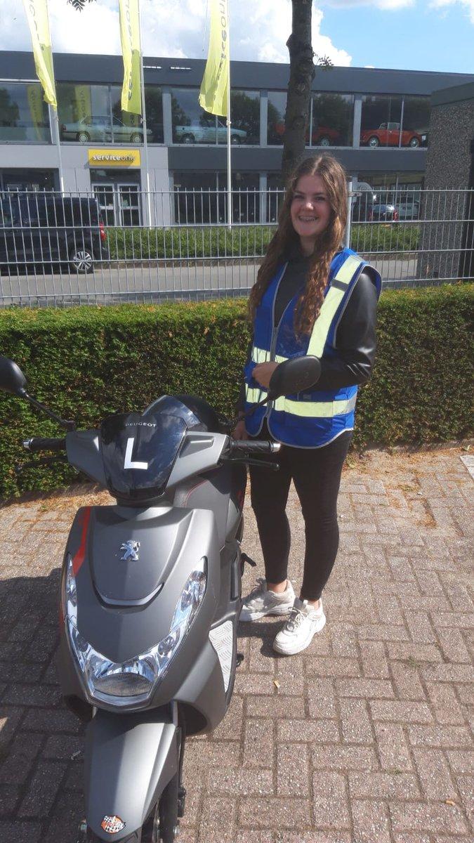 test Twitter Media - Arinde Hoogendoorn gefeliciteerd met het behalen van je scooter rijbewijs AM2 https://t.co/RRQnYZ82Wm