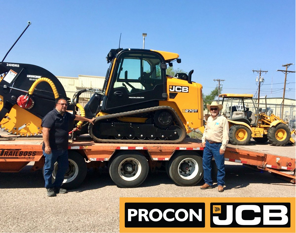 Our sales rep, Mike Tarazoff, doing a handoff to the new owner of this awesome 270T Skid Steer with Rock Saw attachment! 🙌 Congrats! 🎉  See more Skid Steer Loaders for sale on our website 🖥 https://t.co/cu6OMKNKIX  #ProConJCB #JCB #ForSale #Congrats #NewSale #SkidSteerLoader https://t.co/XFMVZXfPRJ