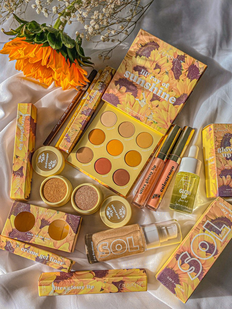 🌻#GIVEAWAY🌻  We are giving away the full Sunflower Collection to 3 lucky winners! Checkout our IG & FB for another chance to win!   To Enter:  🌻Like & RT 🌻Reply w/ your fave emoji  🌻Follow @ColourPopCo @FourthRayBeauty & @SolBodyCo   📸:phithegoldenskin https://t.co/TKoM0ksFuZ