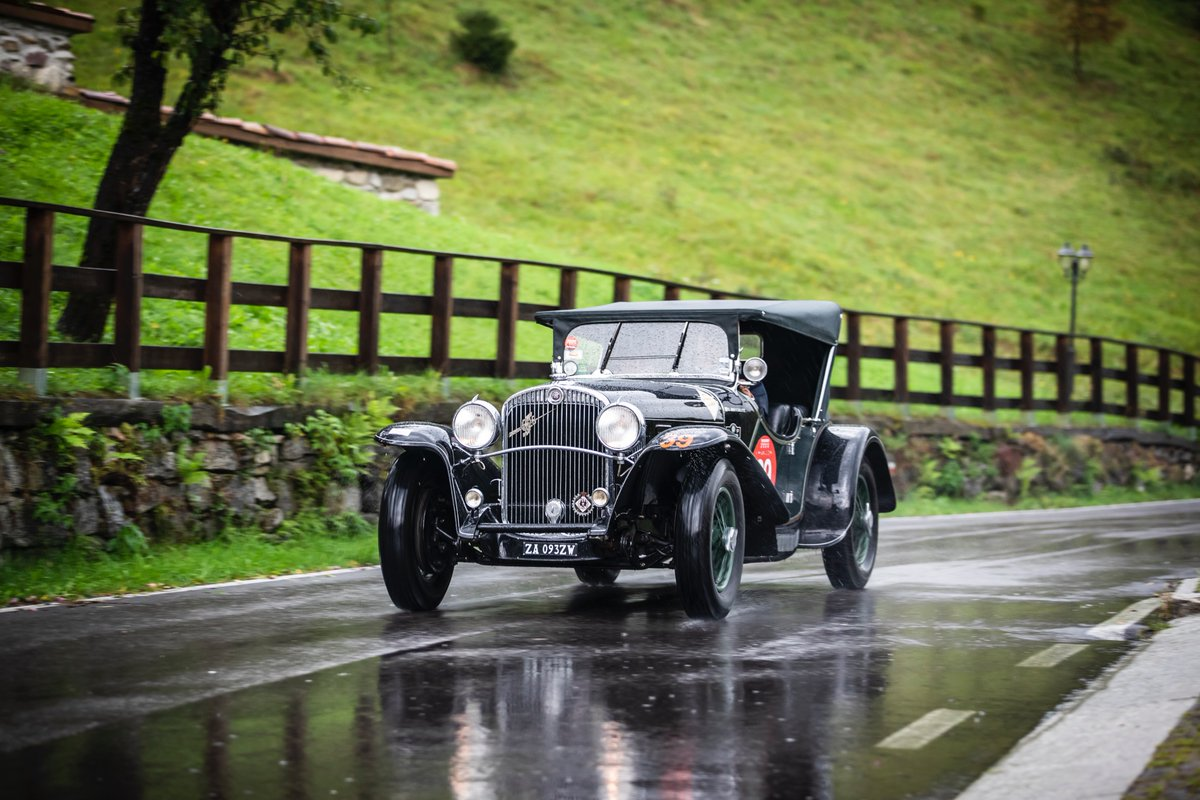 The #FranciacortaHistoric2020 protagonists 🚗 have been the 71 amazing #cars that competed along the streets of #Franciacorta 🍇  See the complete gallery here📷⬇️ https://t.co/xmc1z9M7Zp  Ph @photoromano   #classiccars #historiccars #classicrace #autodepoca #autostoriche https://t.co/47Msi3hp5A
