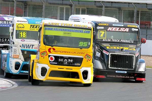 The British Truck Racing Championship heads to Snetterton on 19-20 September for a weekend of heavyweight entertainment.  Plus there's a packed support programme featuring American-style hot rod Legends, classic touring cars and more!  Full info here:  https://t.co/v6oDQOLaLV https://t.co/iQB4dx1JcR