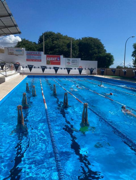La natació artística també ja està començant amb els entrenaments de la secció! 😍💪 #cntarraco #artistica #jahitornem #novatemporada https://t.co/UnE4N4T9GR
