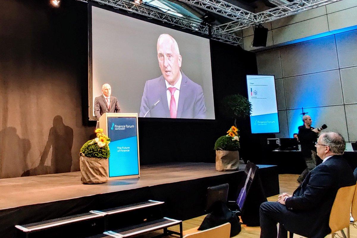 The Future of Finance –  #Liechtenstein's head of government, @Adrian_Hasler, in his opening speech at this year's @FinanceforumLI, moderated by @RetoLipp, in #Vaduz, #Liechtenstein: https://t.co/2v603cdEbN #Banking  #DigitalBanking @LBA_Banking https://t.co/Jyzki6W7p3