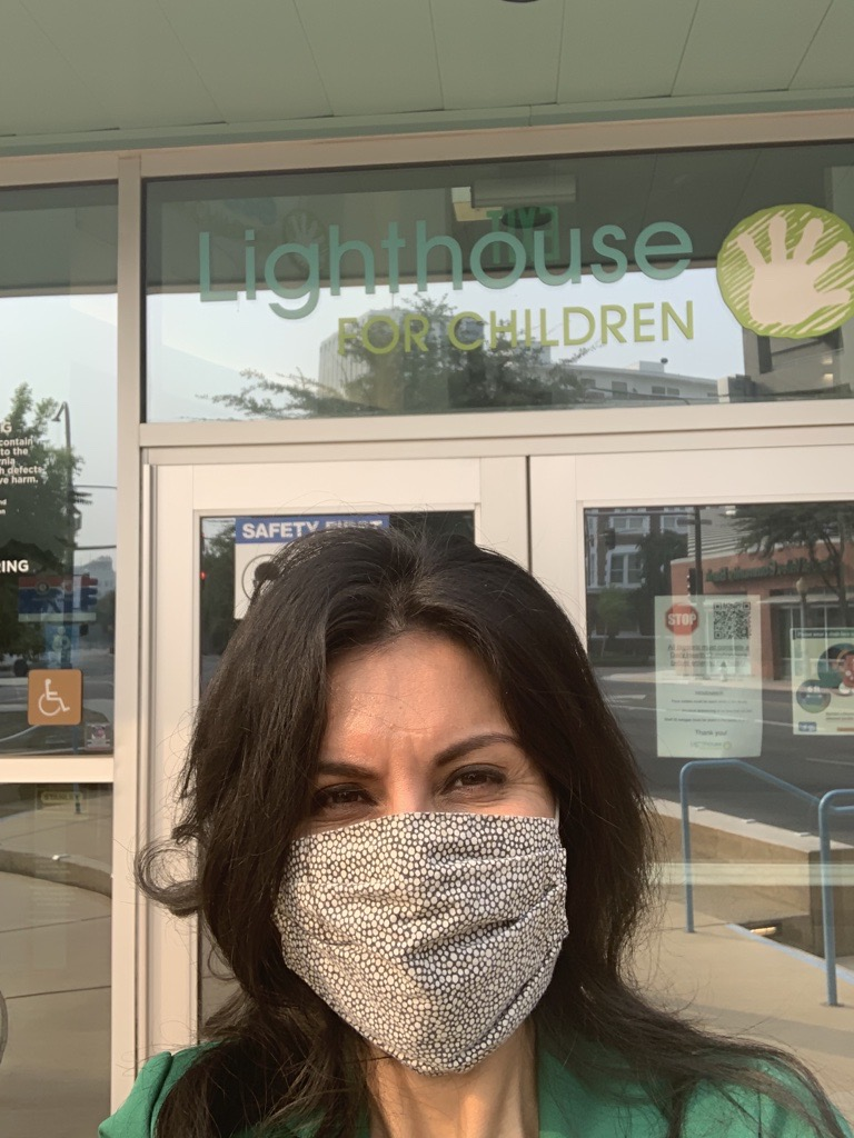 Keep an eye out for F5FC staff! As part of #MaskUpCV, First 5 Fresno County will going around our community to surprise unexpected mask-wearers with a $100 Visa gift card! Wearing a mask is the kindest thing one can do. Learn more by visiting https://t.co/TONhzR0tKT. https://t.co/5HlCtQx9PQ