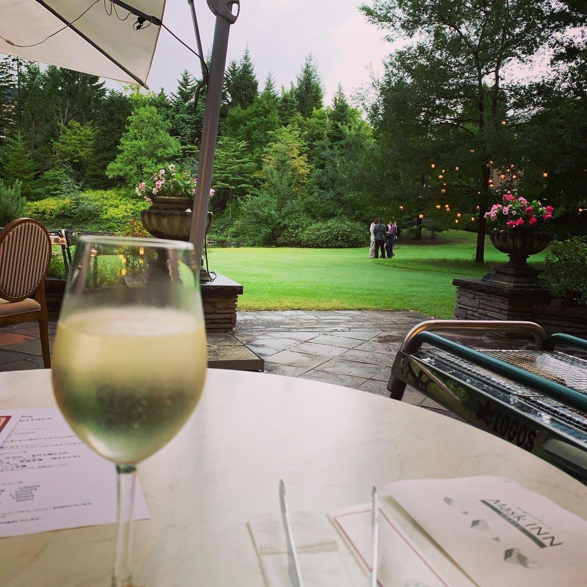 仙台ロイヤルパークホテルに来ています!  小さなお子様連れの方におすすめなのがBBQディナープラン!  テラス席で魚介や肉を焼いて自分のペースで楽しめます。  #ホテル #ワイン #ソムリエ #子連れ旅行 #子連れ旅 #おすすめホテル #ワイン旅 #wine #ワイン好きな人と繋がりたい https://t.co/5kaTlLDKWo
