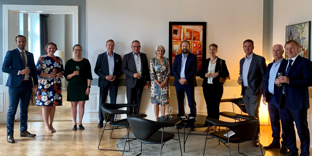 Vesa, President at Danfoss Drives, recently visited Helsinki to meet with leaders from other companies for an inspiring conversation on how businesses can get through the current crisis & build a #sustainable future.  #energyefficiency #energy #urbandevelopment #dkgreen #dkbiz https://t.co/5KhQIwZS7b