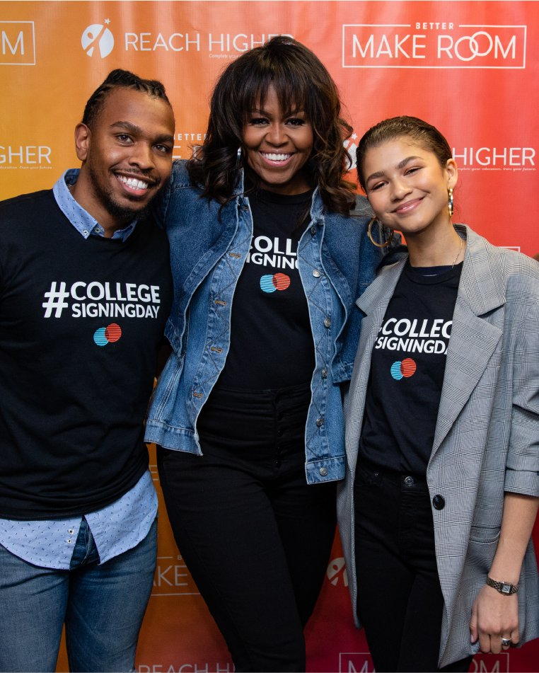 Happy birthday to the Gen Z queen herself, @Zendaya 🥳 Let's celebrate the same way we did at #CollegeSigningDay! 🎂🎉 https://t.co/h1V2KRroXy