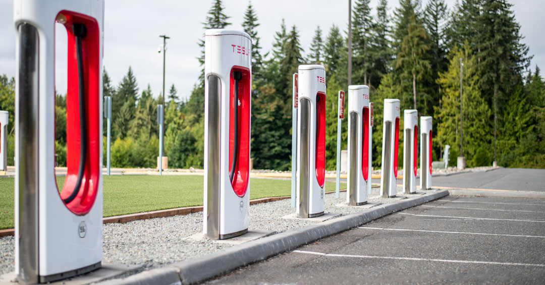 Did you know that Angel Of The Winds Casino Resort has the largest Super Charging station in the state of Washington? Charge your Tesla while you play or enjoy a meal - free of charge! https://t.co/1Vq42duBpk