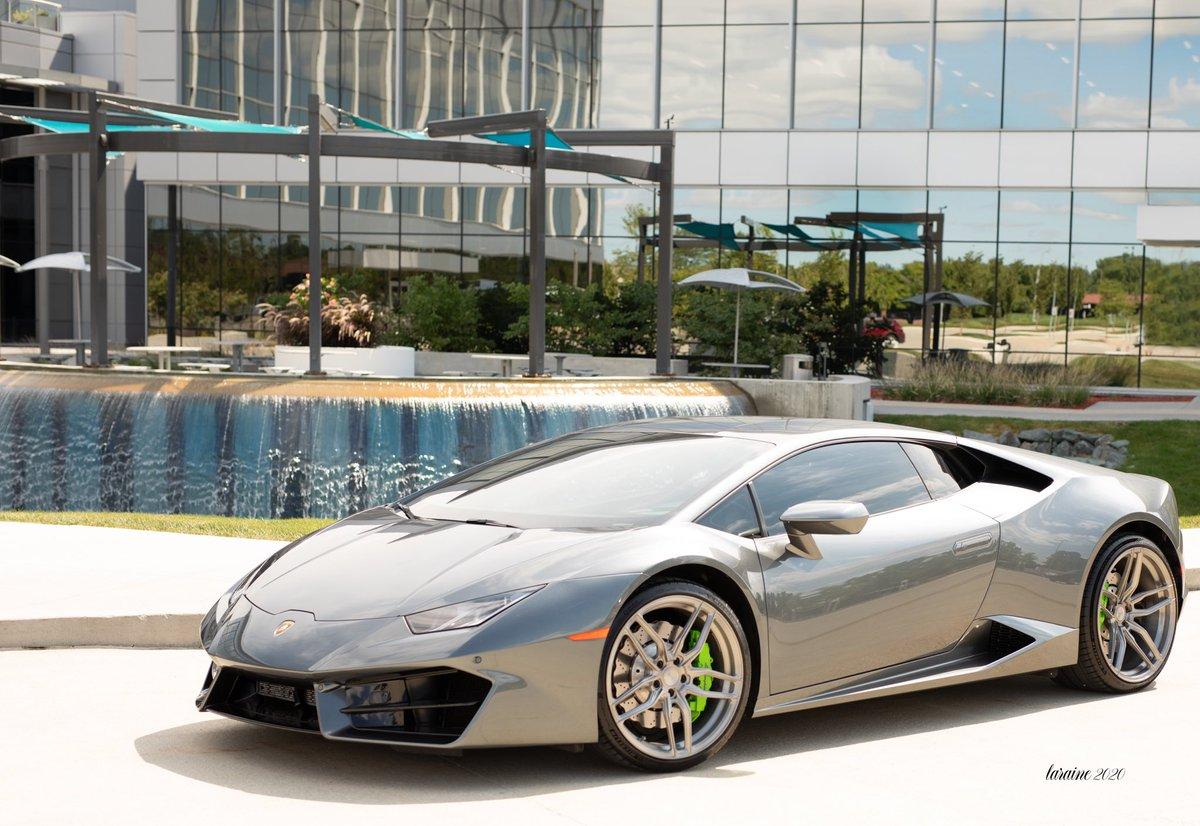 @Lamborghini New ad idea for you   @Lamborghini. @Drakedavis25  #seniorpicture https://t.co/G6m5eAuZFT
