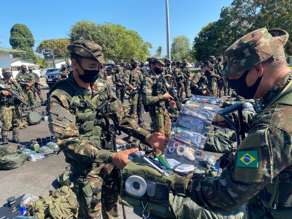 Comando de Fronteira Juruá/61º Batalhão de Infantaria de Selva, Cruzeiro do Sul/AC, realiza Apronto Operacional como preparação para a #OperaçãoAmazônia. Veja mais no Hot Site da Operação: https://t.co/A1NbdafgBt https://t.co/sNn6sDkuM3