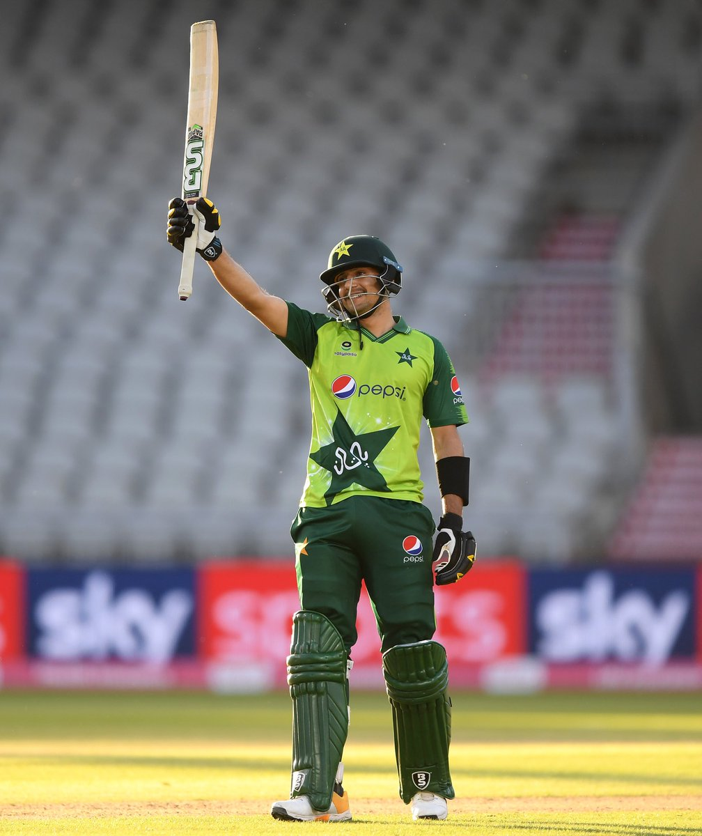 🔥🔥🔥  What an amazing debut knock from the youngster #HaiderAli 👏👏👏  #ShaanePakistan #PAKvENG https://t.co/NdlojGXt0I