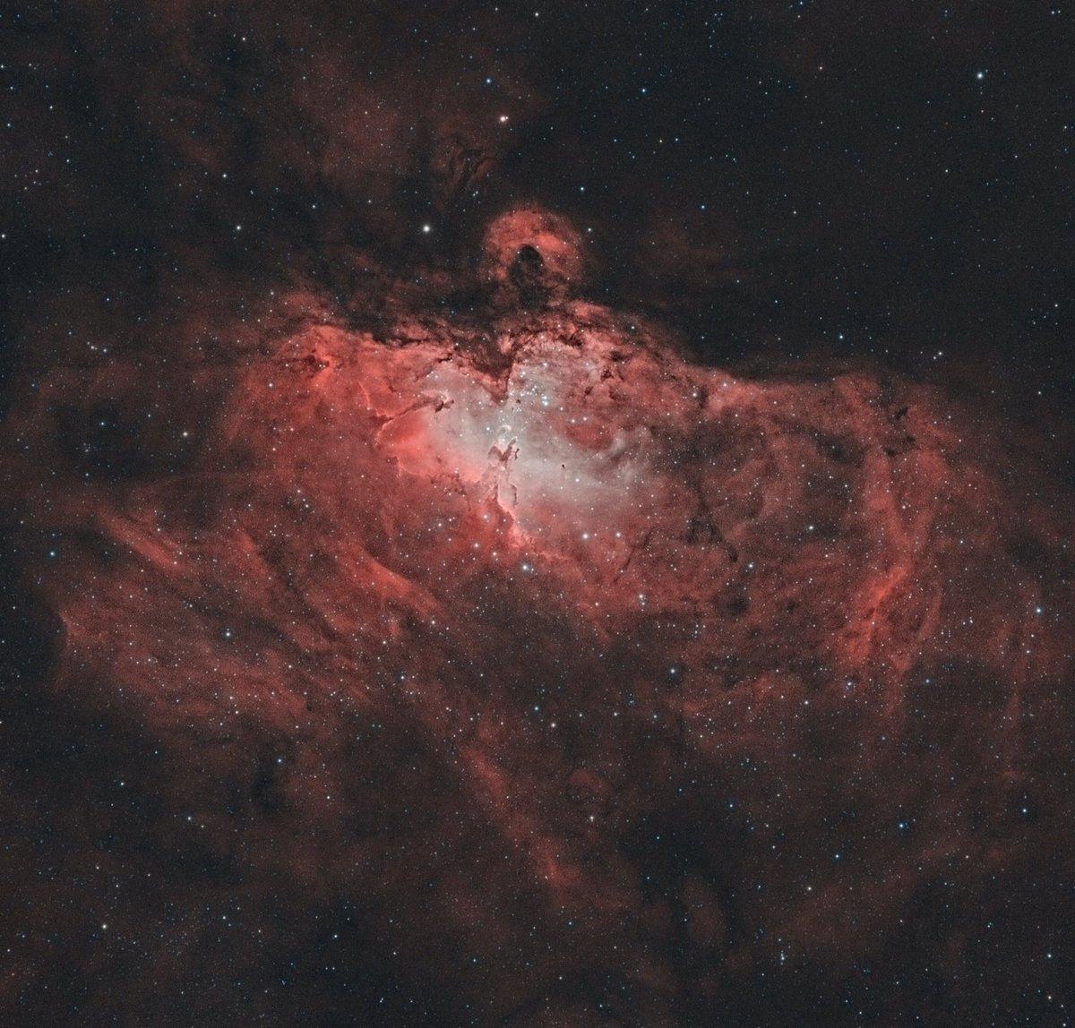 The Eagle Nebula (bicolor) Subs:  Ha: 19x180sec OIII: 27x180sec Telescope: SkyWatcher ED80/600+0.85x reducer/flattener Camera: ZWO ASI1600mmc #Astrophotography #bicolor #astronomy #eaglenebula #deepsky #skywatcher #zwoasi #asi1600mm #telescope #ed80 #amateurphotography #Slovakia https://t.co/WnzZm9p52s