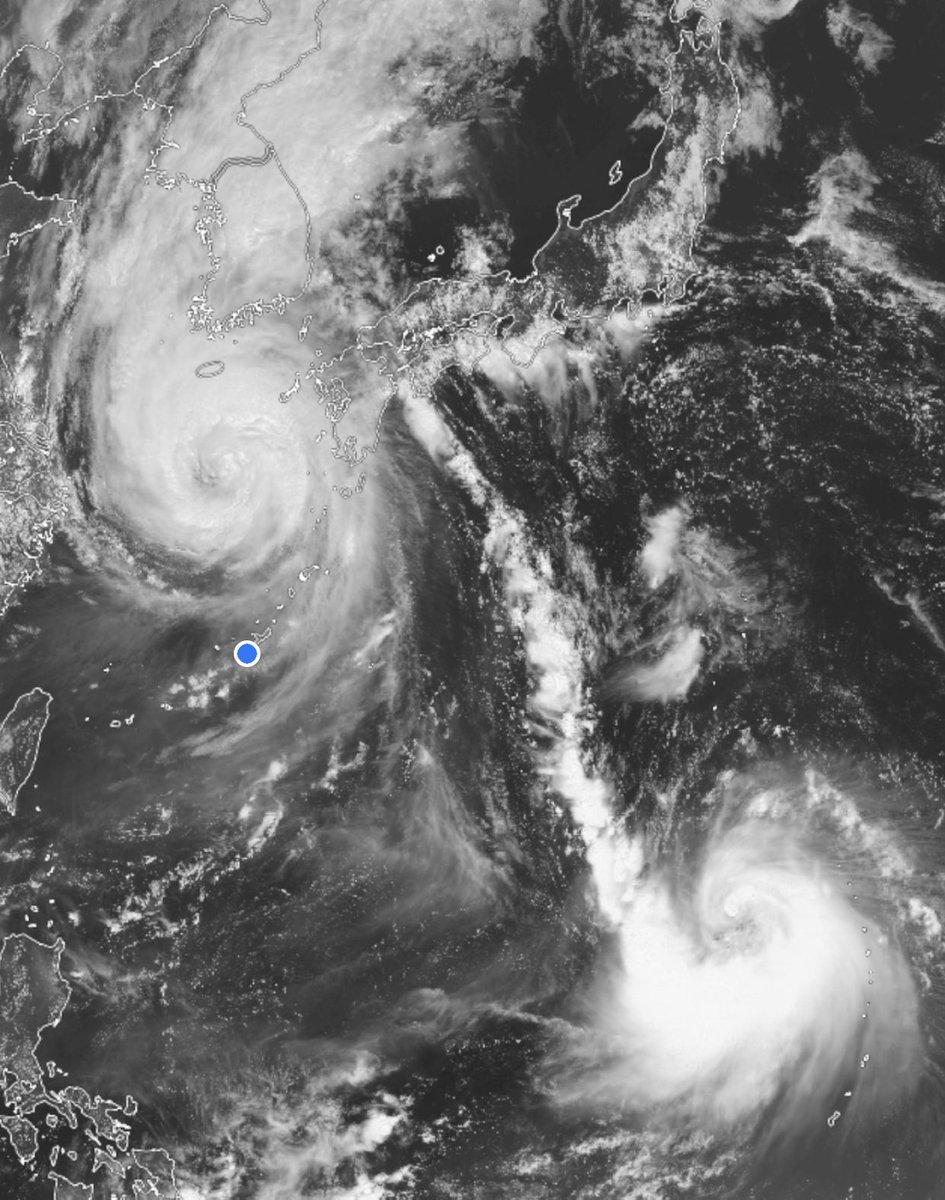 typhoon hashtag on Twitter