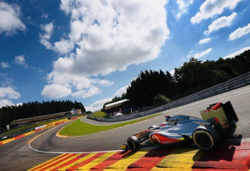 If the 2011 #CanadianGP was Button's most exciting GP win, the 2012 #BelgianGP (pic) was his finest. #OnThisDay in 2012, at Spa, he took the pole & led every lap, beating his McLaren team-mate Hamilton fair & square, & not many people have ever done that at Spa. Pic: Clive Mason. https://t.co/3jZbFhnzaV