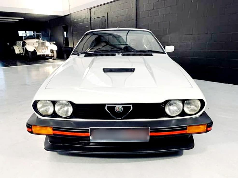 Early morning start with the incomparable Alfa Romeo GTV6 3.0. Every petrolhead either owned one of these or dreamed of owning one... I know I do!! @alfaromeoofficial @alfaromeouk #alfaromeo #alfaromeo #gtv6 #italianstallion🇮🇹 #italianstyle🇮🇹 #gumball3000 #gumballlife https://t.co/C3996imAit