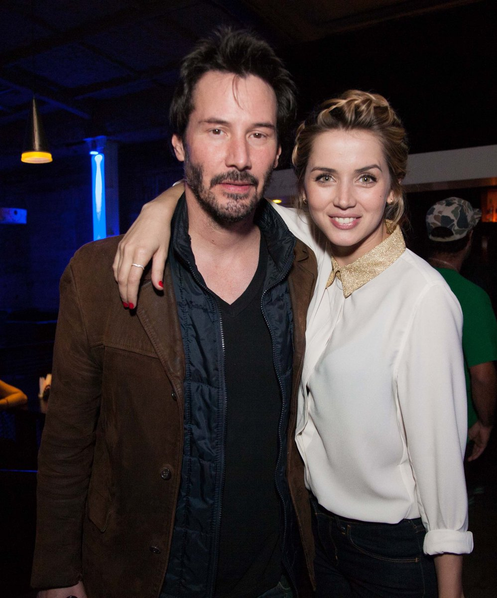 Ana De Armas Updates On Twitter Happy Birthday To Keanu Reeves He Is A Longtime Friend Of Ana De Armas And Has Co Starred With Her In The Films Knock Knock 2015