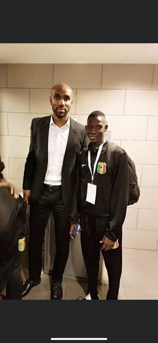 Happy birthday to you @FredericKanoute I wish you all the best https://t.co/ozUUfZKhC9