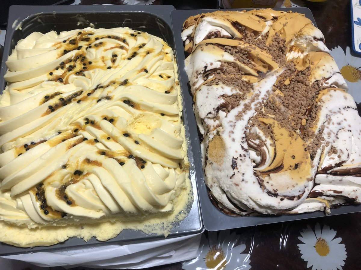 Spring is here and what better way to celebrate than 12kgs of ice cream at home. 🍦🍨  Just like the ice cream stands.   #spring #icecream #gelato #yummy #piggy https://t.co/ScVp2eaU2x