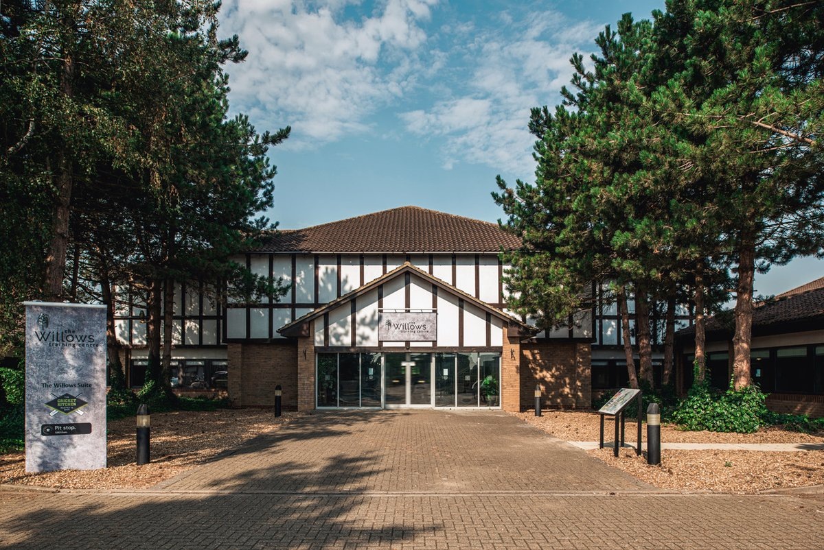 The Willows Training Centre at @wl_resort has been #refurbished to meet the current and future needs of learning & development #professionals.  Read more here 👇 https://t.co/y3f3nkUL9r  #MKNews #MiltonKeynes #Bedfordshire #BusinessNews #WybostonLakesResort #Refurbishment https://t.co/zDojDVMJpT