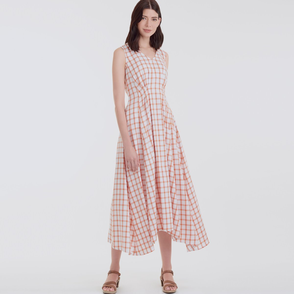 Simplicity 9134 is a beautiful dress with released pleats on the front and back. This makes it fitted at the waist, and extra swish-able on the bottom. Perfect for frolicking around! https://t.co/66J8kKV3L1 https://t.co/cRqfPbrmKe