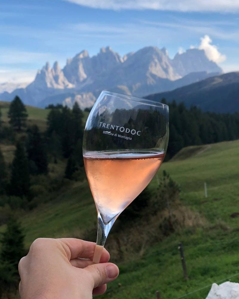 There's still time left in summer for a long, sunny afternoon hike. Just don't forget to take a break and refresh with a glass of Trentodoc. https://t.co/vwaqQuIeNA