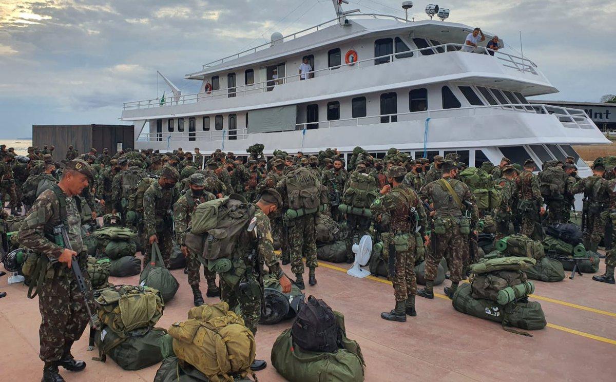 Após 28 horas de deslocamento fluvial, 16ª Brigada de Infantaria de Selva, Tefé/AM, desembarca em Manaus para a #OperaçãoAmazônia. Na ocasião, a tropa passou por uma triagem sanitária, coordenada pela 12ª Região Militar. Veja mais no Hot Site da Operação: https://t.co/0uGNaNSIGg https://t.co/UiTlKVKTC7