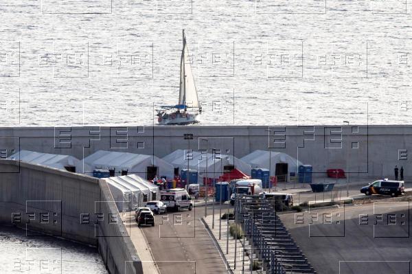 """EFE Murcia on Twitter: """"Un total de 81 inmigrantes llegaron a las costas  murcianas desde ayer en un total de seis pateras, 22 de ellos esta  madrugada en dos embarcaciones.… https://t.co/Gd2hRGHpeL"""""""